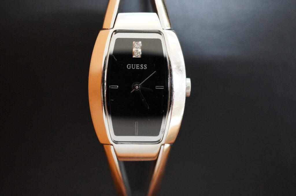No.2333  GUESS  (ゲス ) クォーツ式腕時計を修理しました