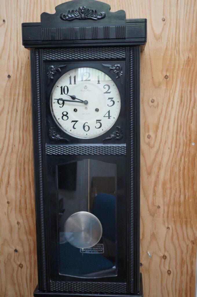 No.2339  アイチ アンティーク ゼンマイ式 掛け時計を修理しました