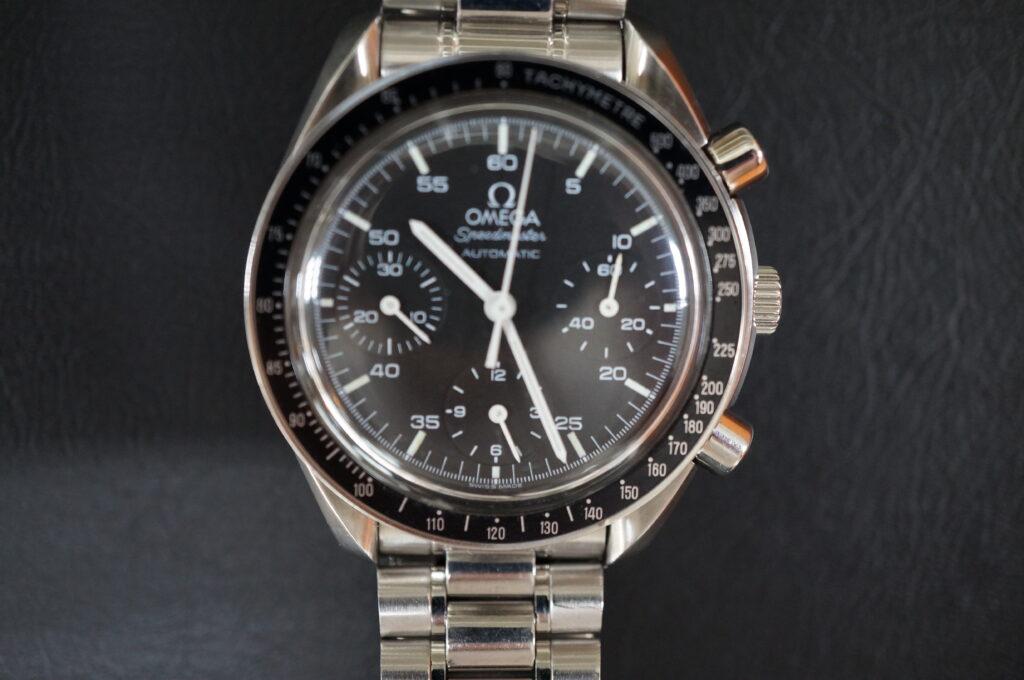 No.2377  OMEGA Speedmaster (オメガスピードマスター) 自動巻き 腕時計を修理しました