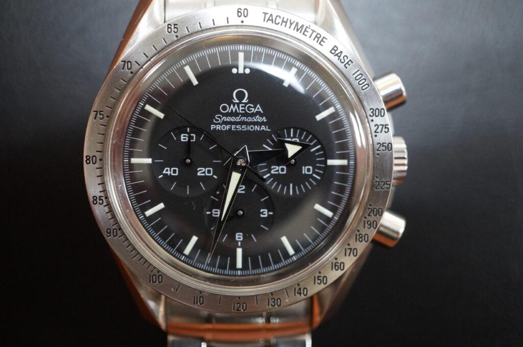No.2530  OMEGA Speedmaster (オメガスピードマスター) 自動巻き 腕時計を修理しました
