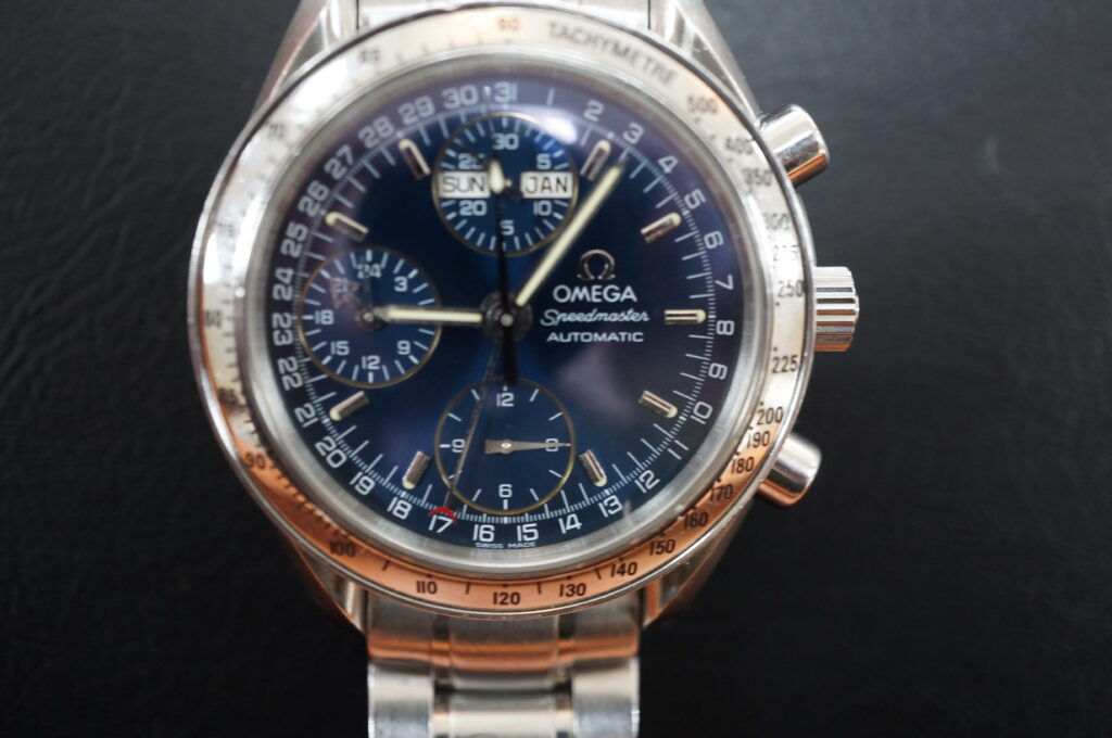 No.2529  OMEGA Speedmaster (オメガスピードマスター) 自動巻き 腕時計を修理しました