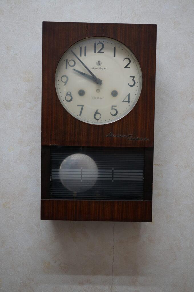No.2569  アイチ アンティーク ゼンマイ式 掛け時計を修理しました