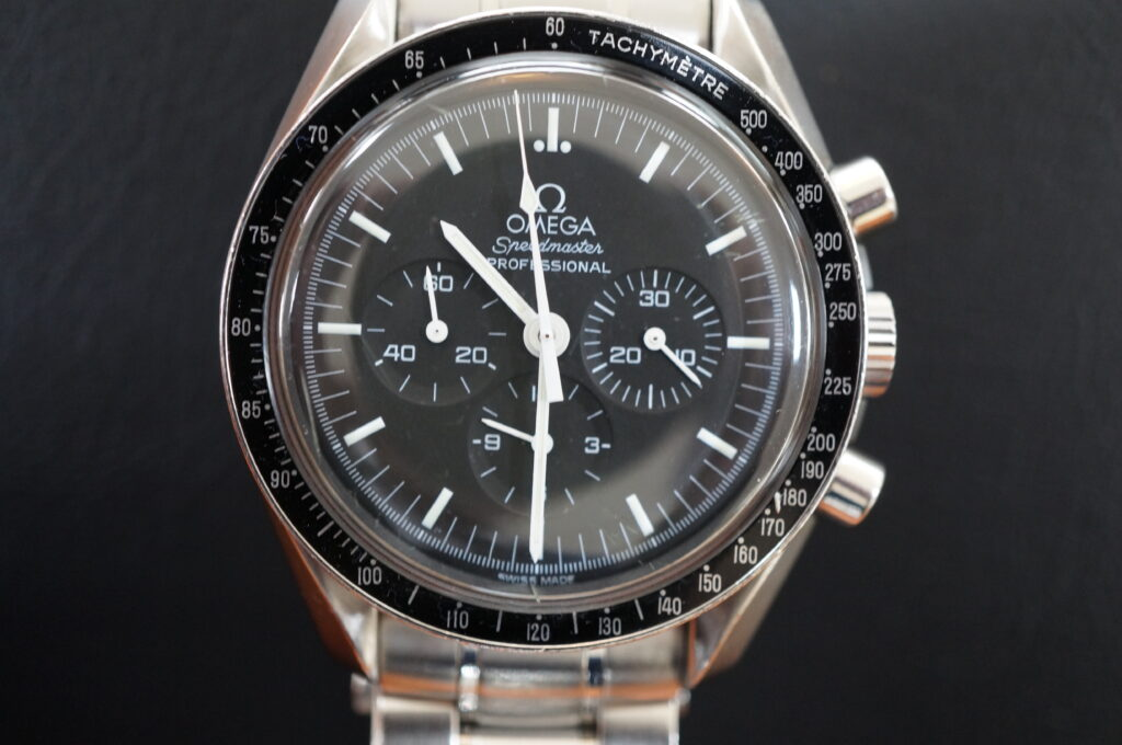 No.2575  OMEGA Speedmaster (オメガスピードマスター) 手巻式 腕時計を修理しました