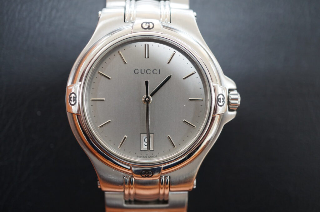 No.2594  GUCCI (グッチ ) クォーツ式腕時計を修理しました