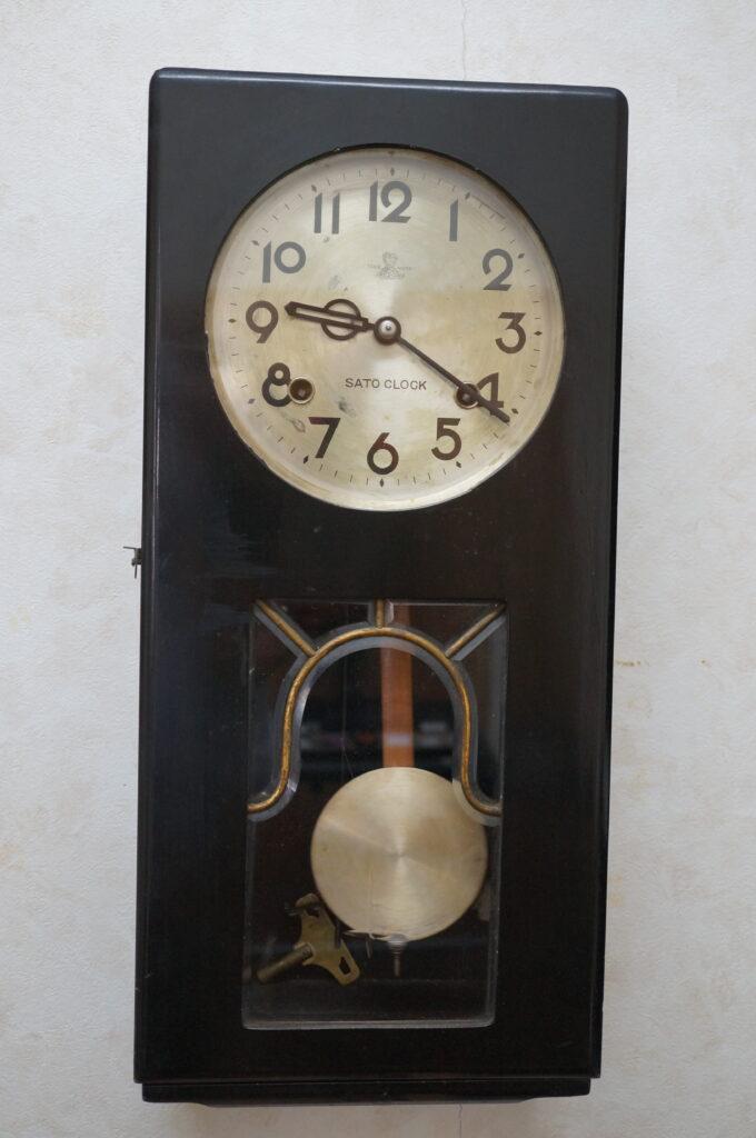 No.2615  SATO ゼンマイ式 アンティーク掛け時計を修理しました