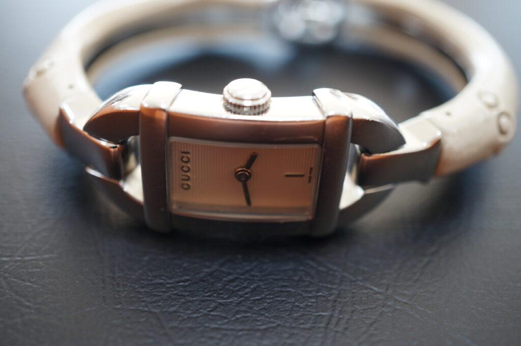 No.2619  GUCCI  (グッチ ) クオーツ式 腕時計を修理しました