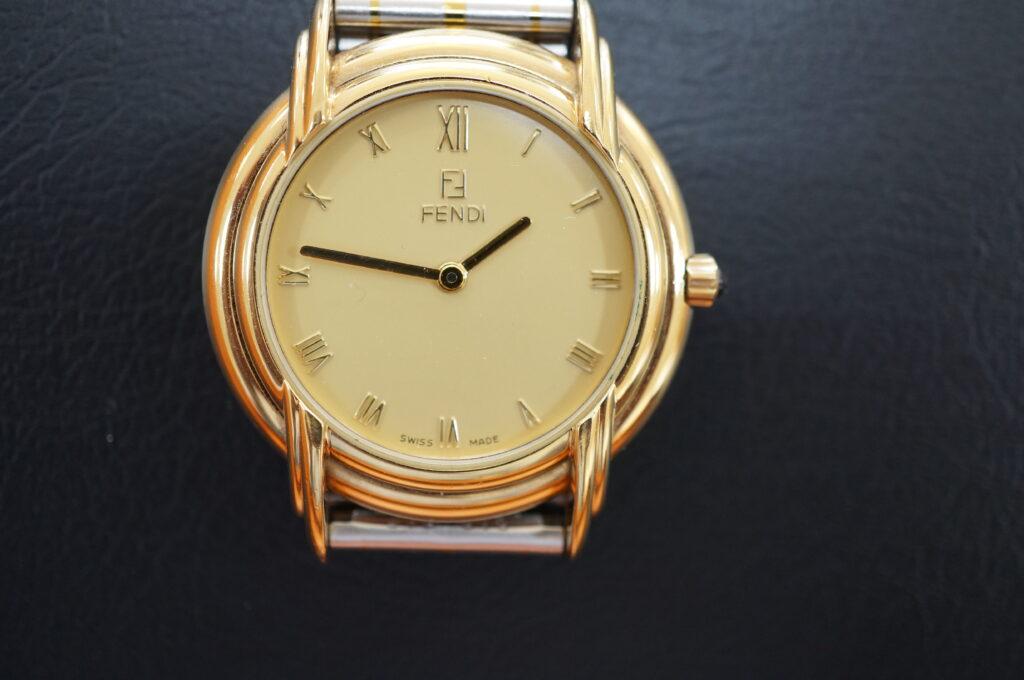 No.2625  FENDI  (フェンディ ) クオーツ式 腕時計を修理しました