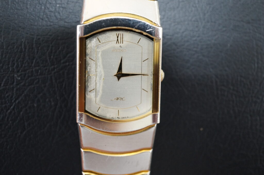 No.2665  SEIKO ARC (セイコー ) クオーツ式 腕時計を修理しました