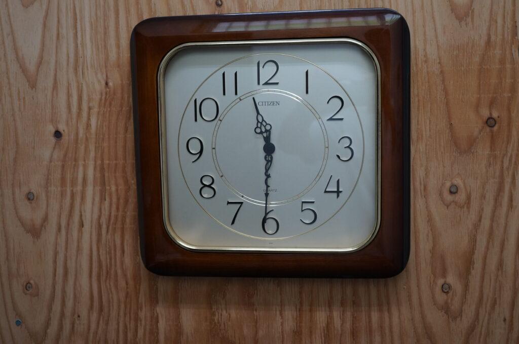 No.2712  CITIZEN (シチズン) クォーツ式  掛け時計を修理しました