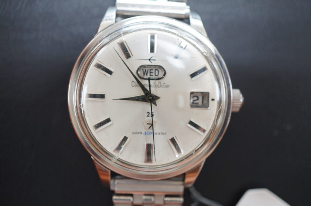 No.2718  CTオートデーター 手巻式 腕時計を修理しました