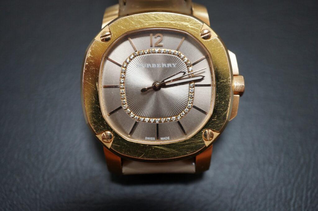 No.2715  BURBERRY  (バーバリー) クオーツ式 腕時計を修理しました