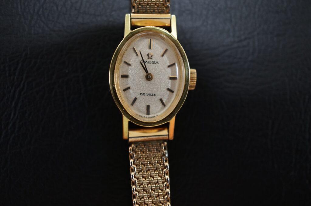 No.2734  OMEGA  (オメガ) 手巻式 腕時計を修理しました